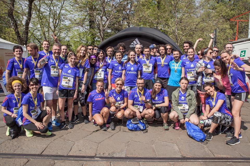 foto di gruppo adidas cityrunner milano marathon
